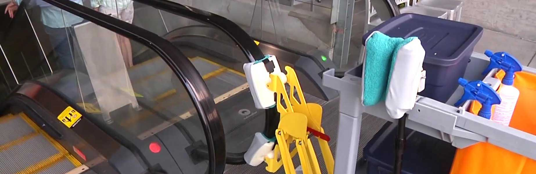 Touch me I'm Clean! handrail cleaning machine